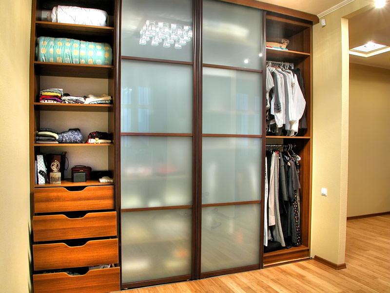 Картинки по запросу Встроенный шкаф-купе: как сэкономить пространство в доме